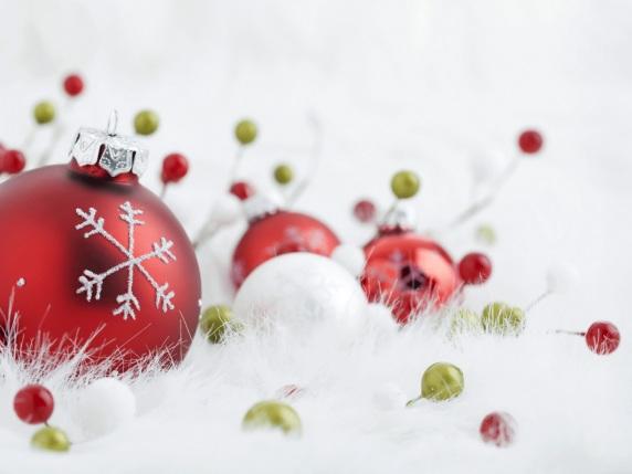 Glass_Christmas_Balls_3D